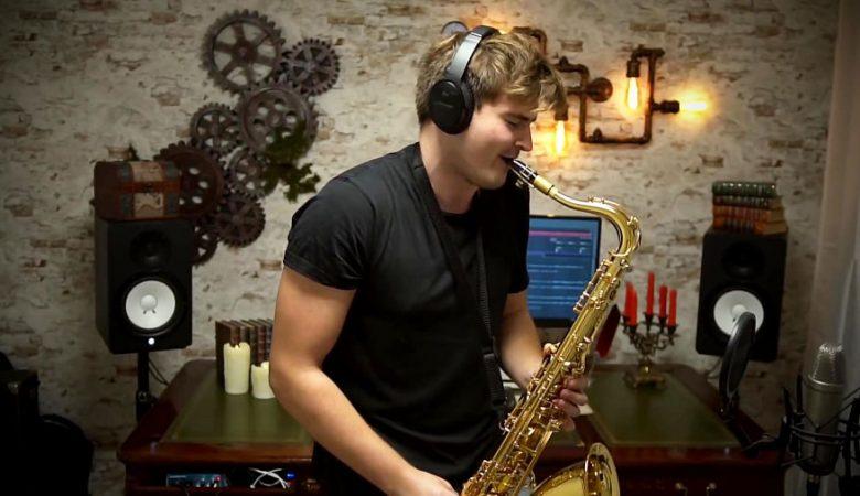 اهنگ Cheri, cheri lady -اجرا با ساز Saxophone